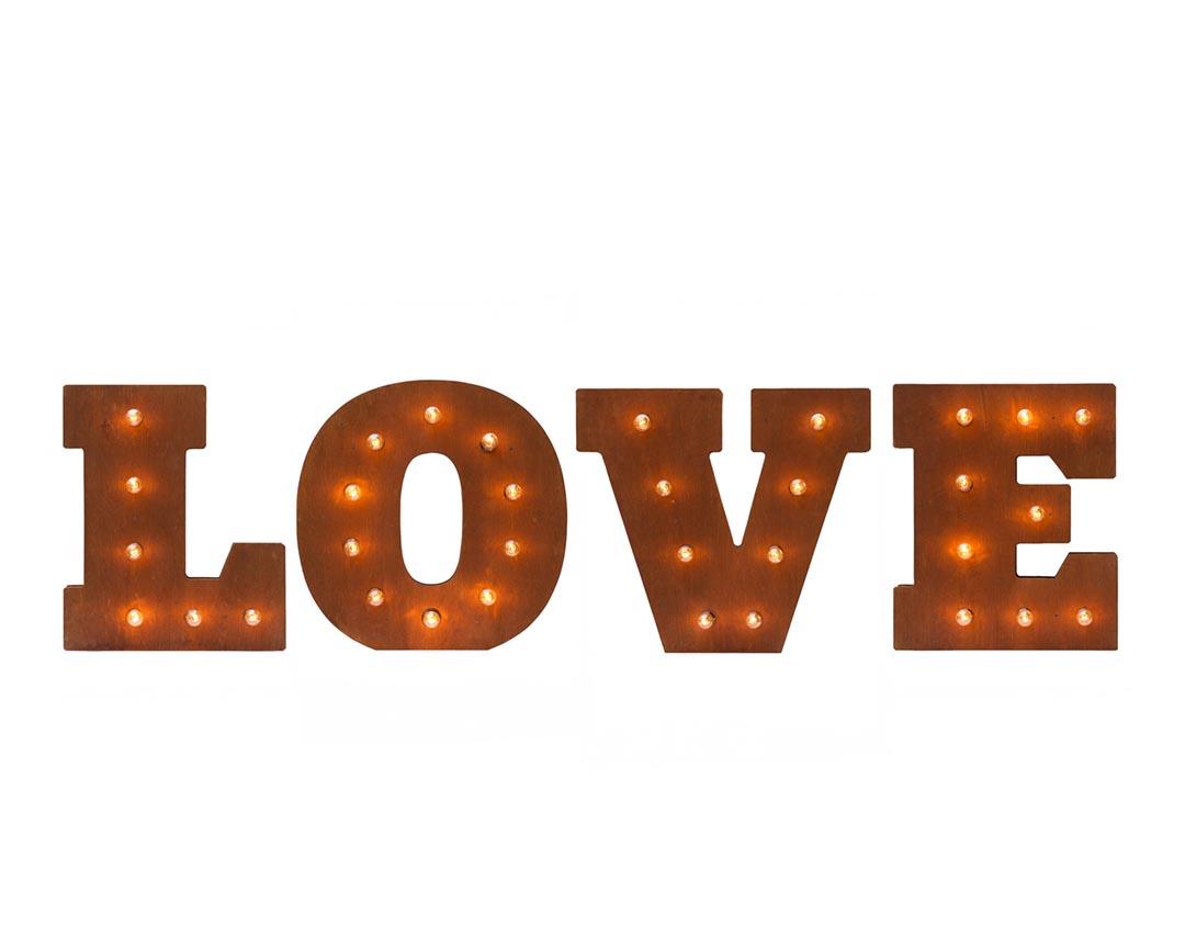 Буквы LOVE с лампами в аренду